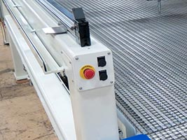 E-Stop, Forward and Reverse Chain Feed Controls